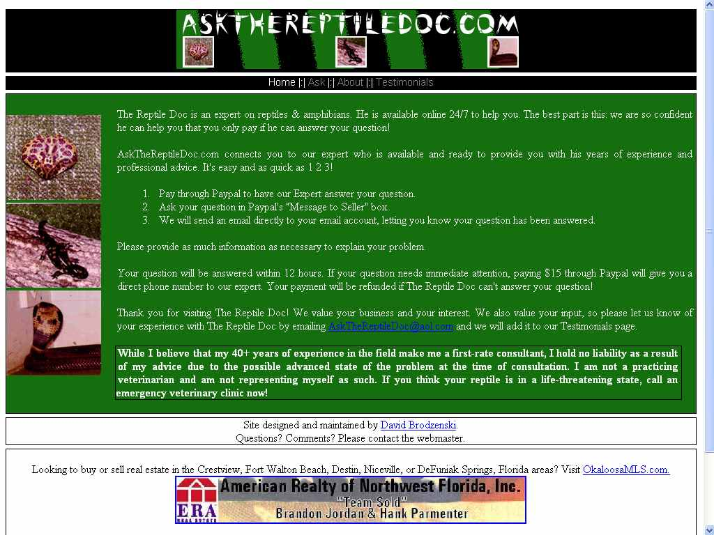 The main page of AskTheReptileDoc.com introduces the centered layout, with a horizontal navigation menu and vertical band of images for an interesting contrast. Very important information is instantly distinguishable with bold text and a border.